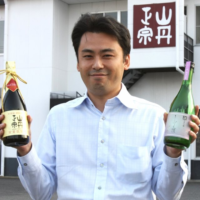 A tour of sake brewing with particular attention to the ingredients and quality of local sake